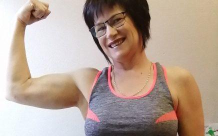 Retha Duvenage wins the Body Transformation award